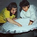 Préparation des puits terrestre et céleste—Céline Goudreau et Hélène Plourde—1995—Papier mâché et plâtre
